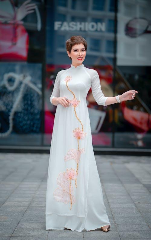 Kostnadsfri bild av ao dai, asiatisk kvinna, elegant