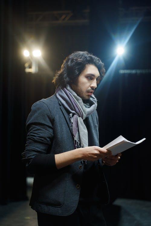 Foto profissional grátis de anfiteatro, arte, ator