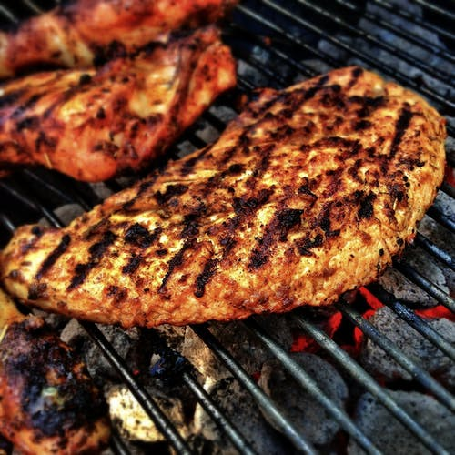 Ilmainen kuvapankkikuva tunnisteilla etusäleikkö, grilli, illallinen, kana