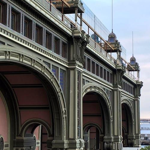 Gratis stockfoto met architectuur, attractie, bogen, buitenkant