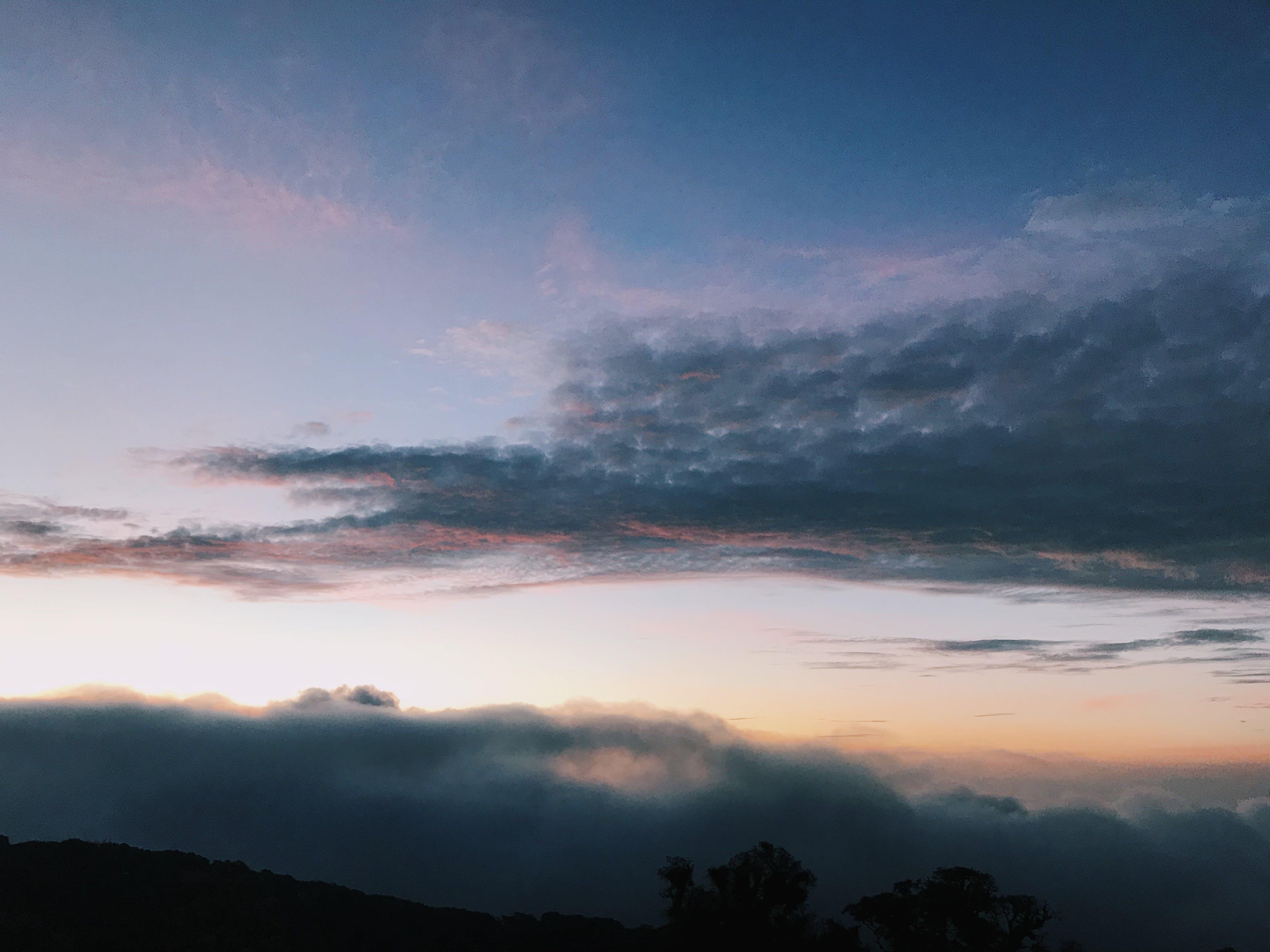 Foto d'estoc gratuïta de cel, llum del dia, muntanyes, natura