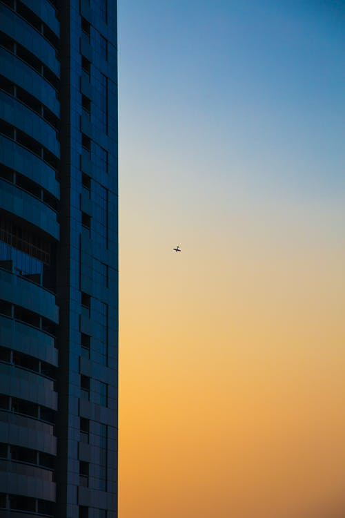 Fotos de stock gratuitas de alto, arquitectura, artículos de cristal, avión