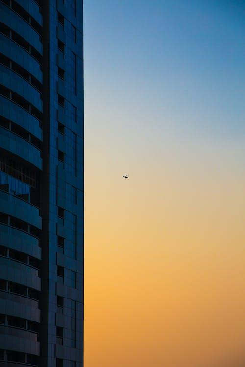 Fotobanka sbezplatnými fotkami na tému architektúra, budova, futuristický, lietadlo