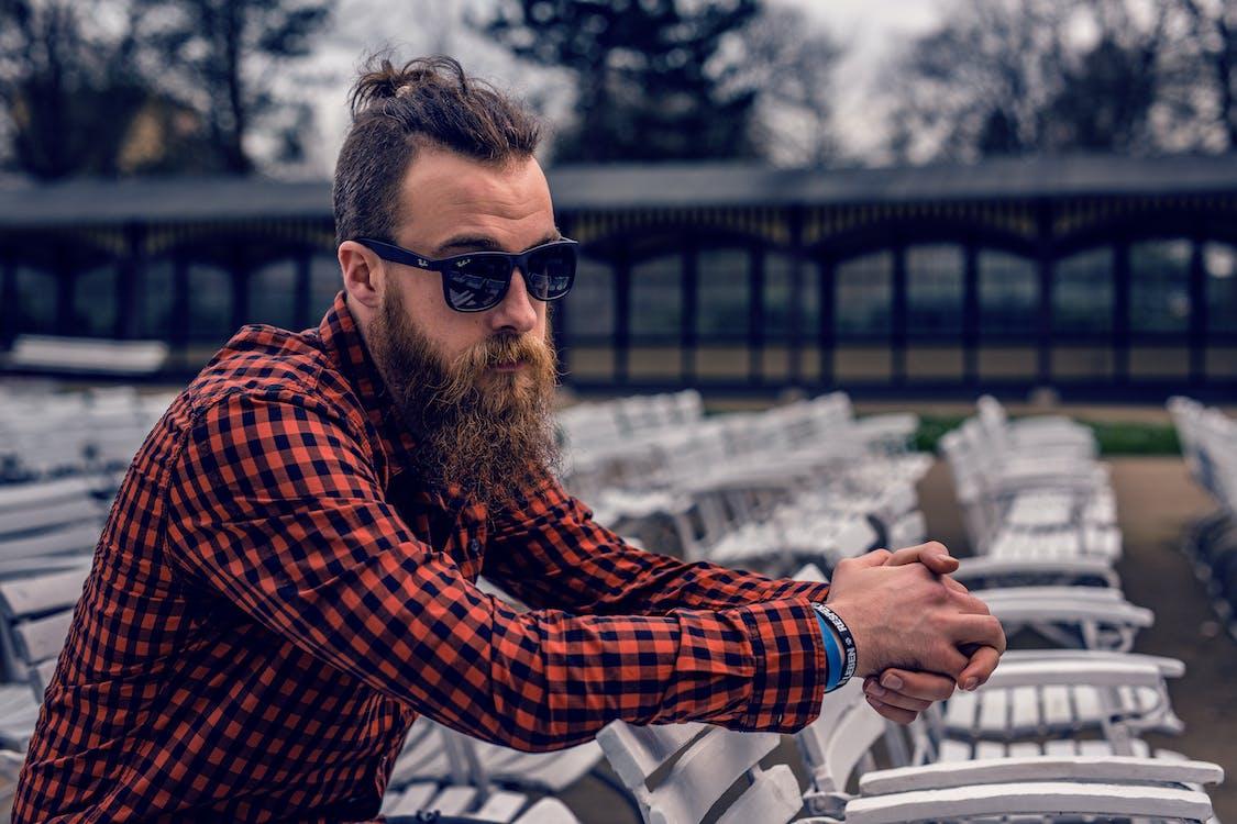 Foto profissional grátis de adulto, barba, camisa quadriculada