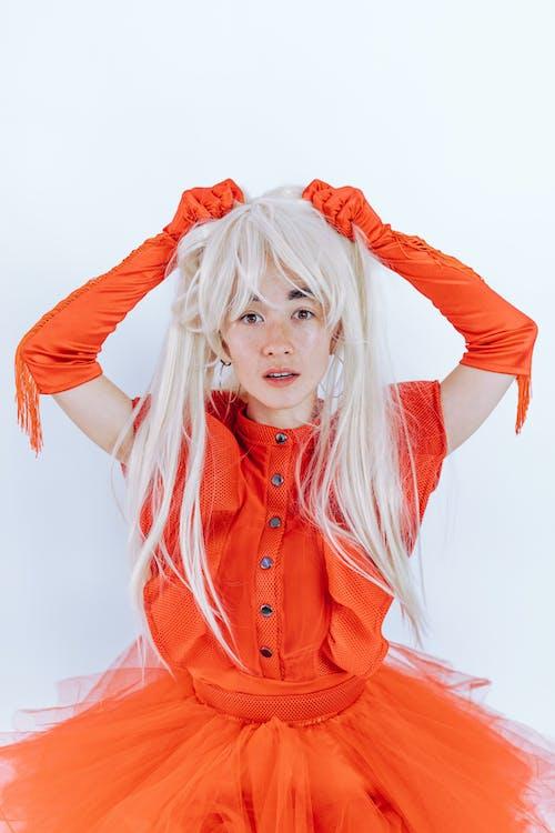 Gratis lagerfoto af blondine, holde, holden