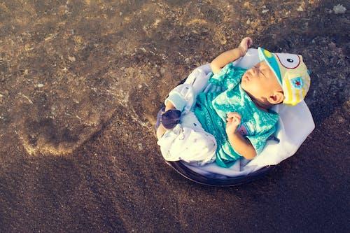 Darmowe zdjęcie z galerii z morze, niemowlę, wybrzeże