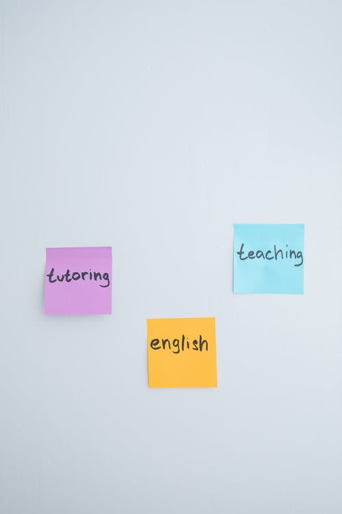 what's the difference between ESL and EFL
