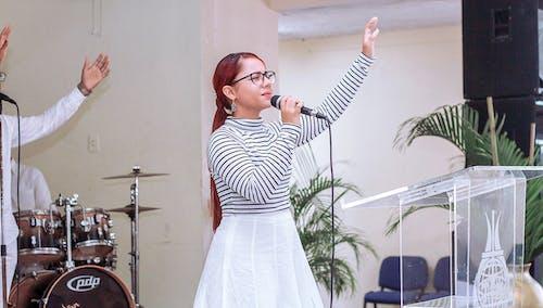 Free stock photo of Worship/Worshiper/Adoración/Adoradora/Christian/Cr