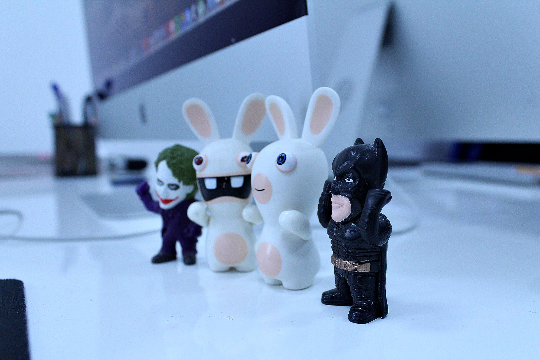 Gratis lagerfoto af batman legetøj, kanin legetøj, nuttet