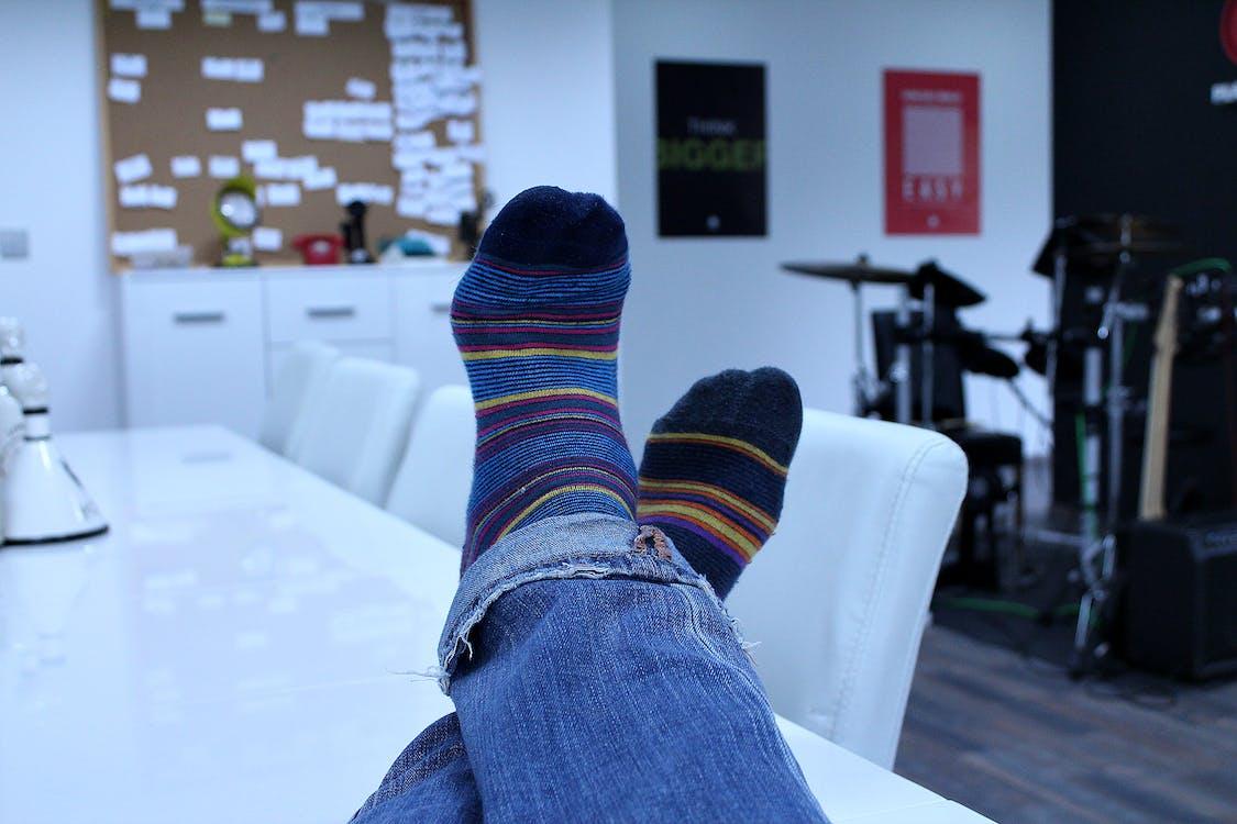 fødder, sokker