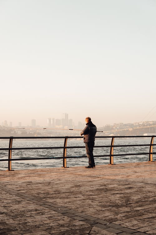 Бесплатное стоковое фото с Анонимный, берег, берег реки