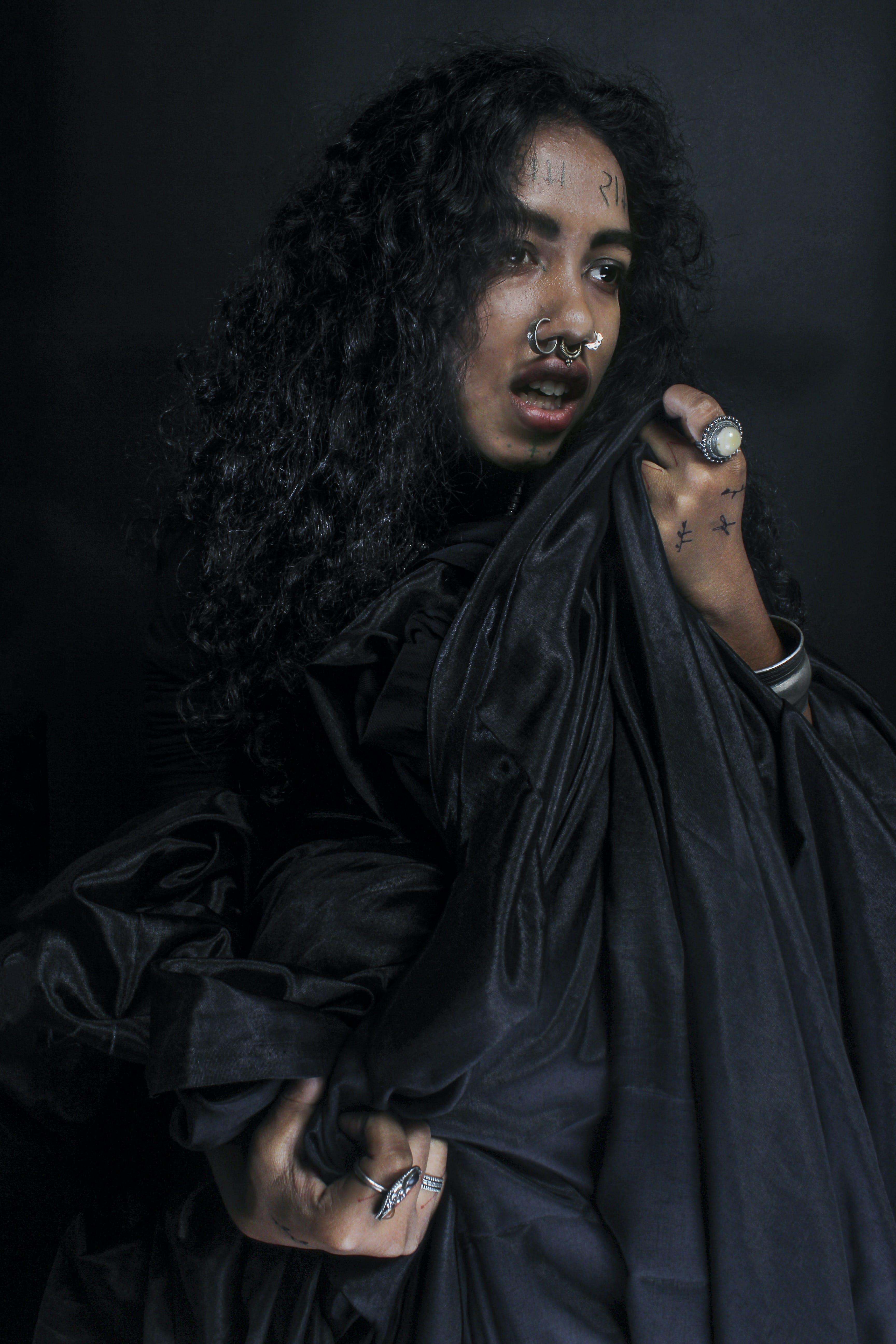 검은색, 곱슬머리, 모델, 사람의 무료 스톡 사진