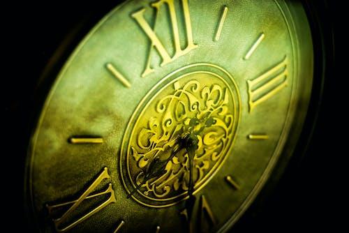 Безкоштовне стокове фото на тему «великий план, годинник діда, мідь, настінний годинник»