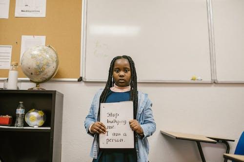 Imagine de stoc gratuită din agresiunea e de rahat, agresiunea fata neagra, anti hartuire