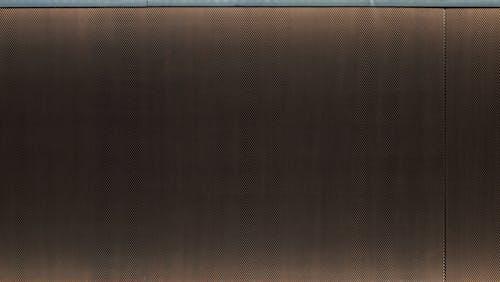 Бесплатное стоковое фото с коричневый, металлическая стена, стена, темный