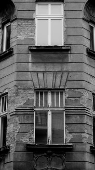 Free stock photo of destroyed, black and white, oldtown, oldbuilding