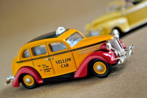 Kostenloses Stock Foto zu amarillo, auto, auto model