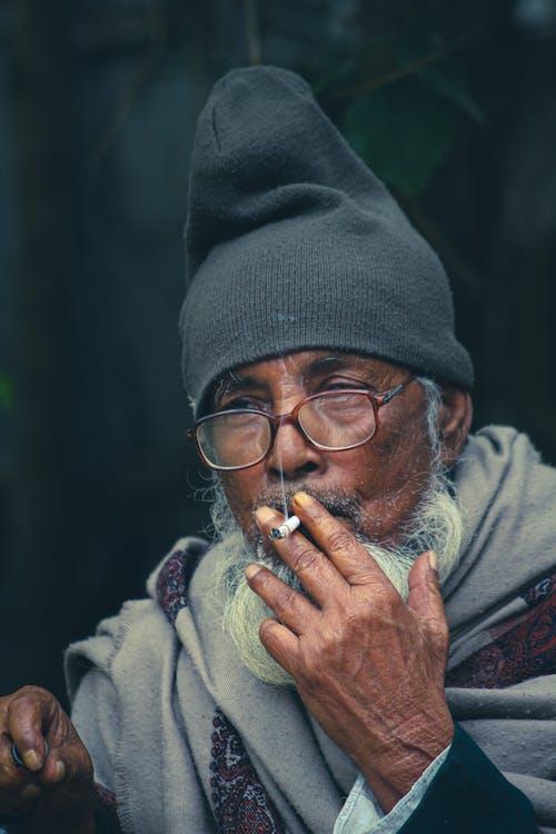 Kostenloses Stock Foto zu älterer herr, bärtig, brille