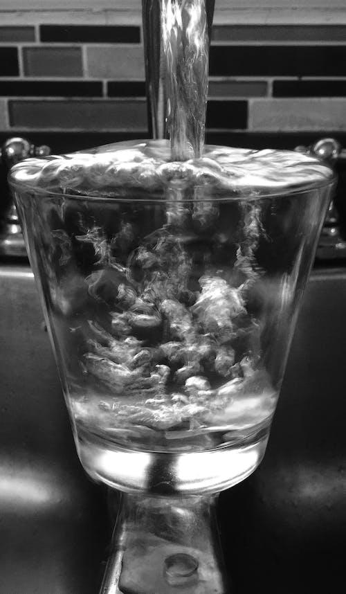 Kostnadsfri bild av dricksglasögon, fotografi, glas, klart vatten