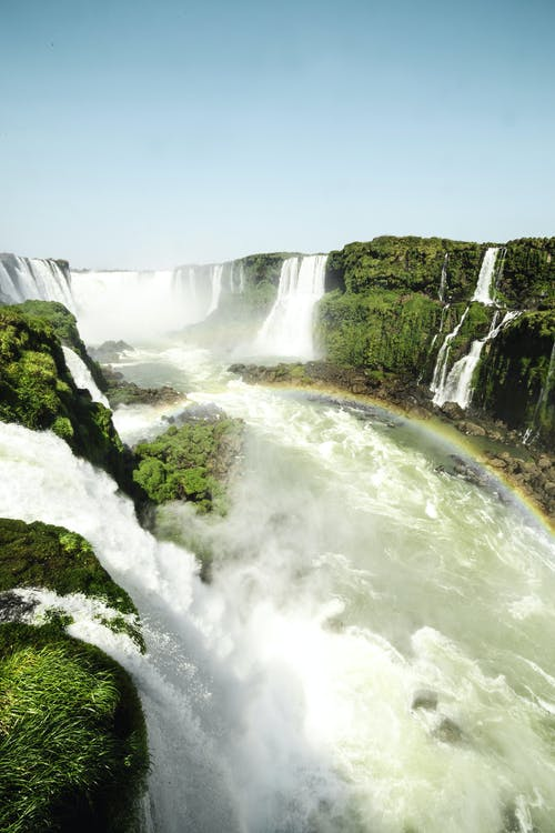 天性, 尼亞加拉瀑布, 彩虹