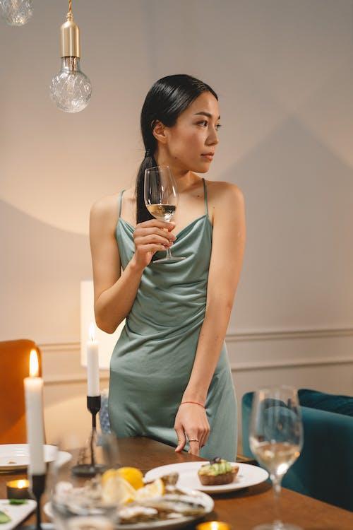 Бесплатное стоковое фото с азиатский, алкогольные напитки, белое вино