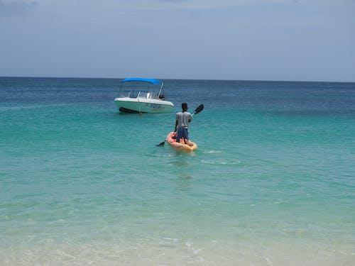 Gratis lagerfoto af båd, bølger, getaway, slappe af