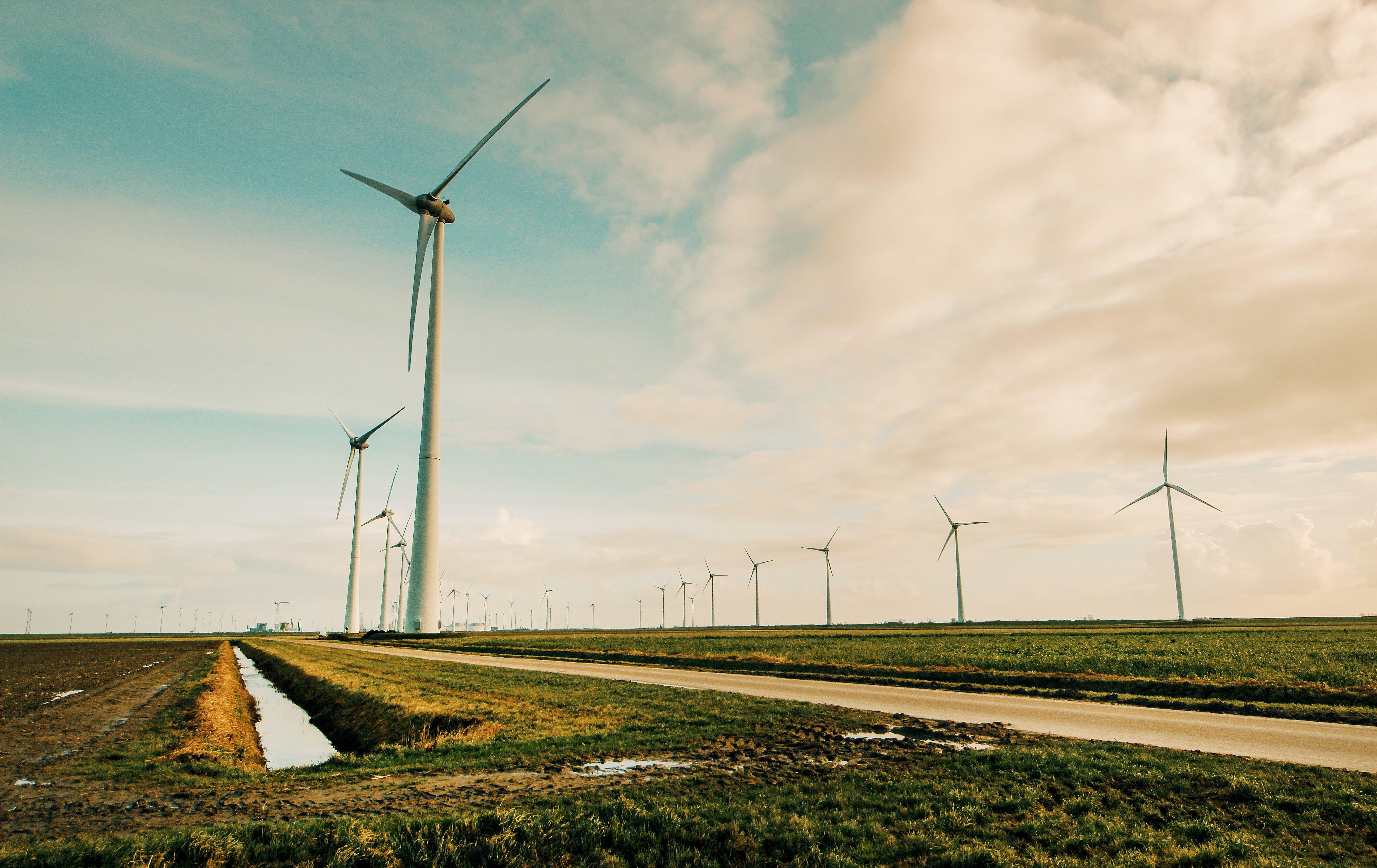 Kostenloses Stock Foto zu alternative, alternative energie, außerorts, bauernhof