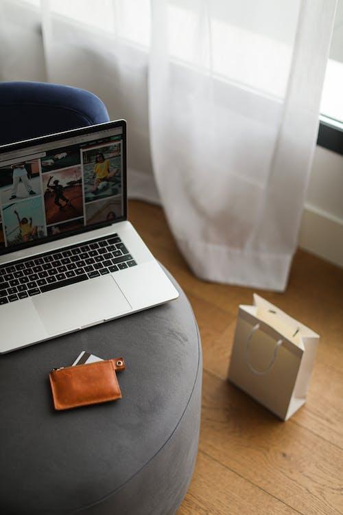 Foto profissional grátis de bolsa de compras, cartão de crédito, cartão do banco