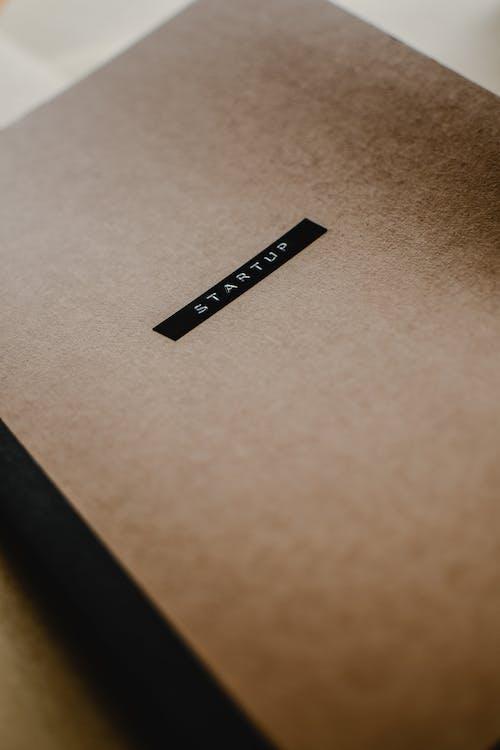 Darmowe zdjęcie z galerii z brązowy papier, konceptualny, przedsiębiorczość