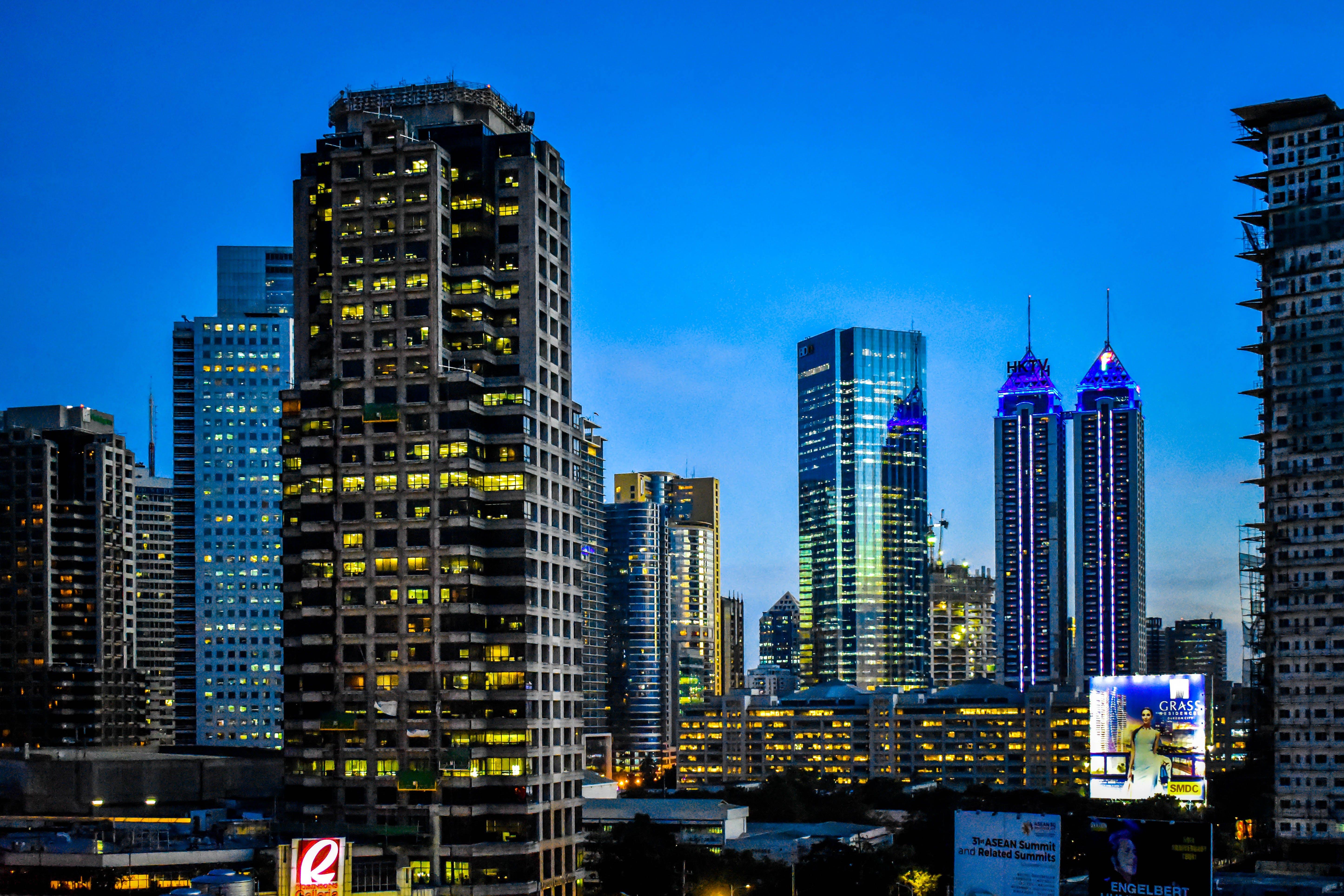 Gratis stockfoto met architectueel design, architectuur, binnenstad, blauwe lucht