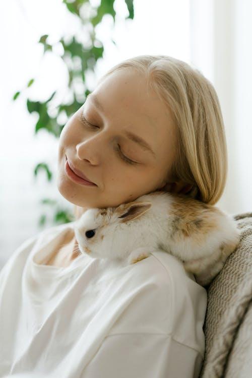 Immagine gratuita di a casa, affascinante, animale