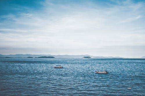 Gratis stockfoto met bergen, blauw, boten, daglicht