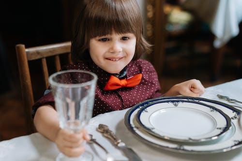 兒童, 坐下, 小孩 的 免费素材图片