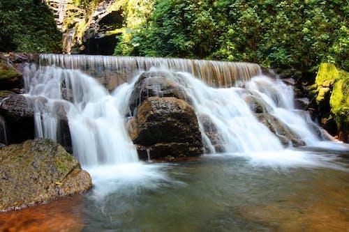 çağlayan, doğa, manzara içeren Ücretsiz stok fotoğraf