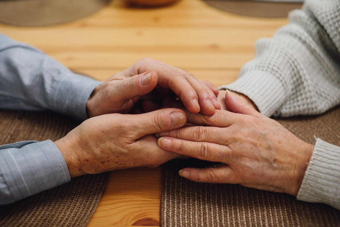 Free stock photo of couple holding hands, cute, elderly couple
