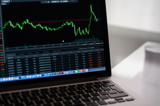 Kostenloses Stock Foto zu laptop, büro, arbeiten, internet