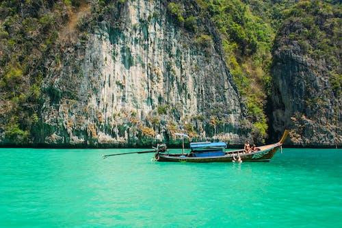 Kostnadsfri bild av båt, hav, kust, människor