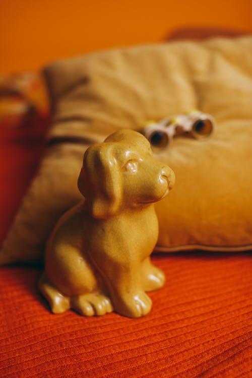 Бесплатное стоковое фото с вид сбоку, декорация, желтый