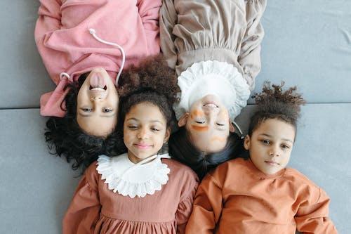 Безкоштовне стокове фото на тему «азіати, брат і сестра, велика сім'я»