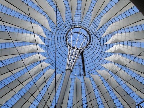 Foto stok gratis Arsitektur, atap, bidikan sudut sempit, Desain