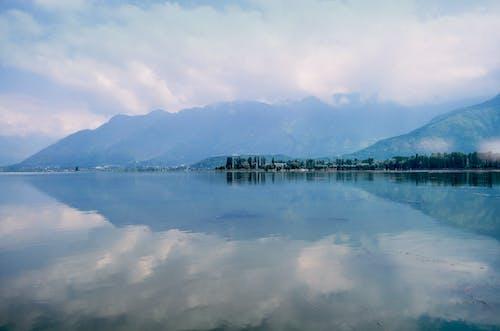 Бесплатное стоковое фото с безмятежный, вода, голубой