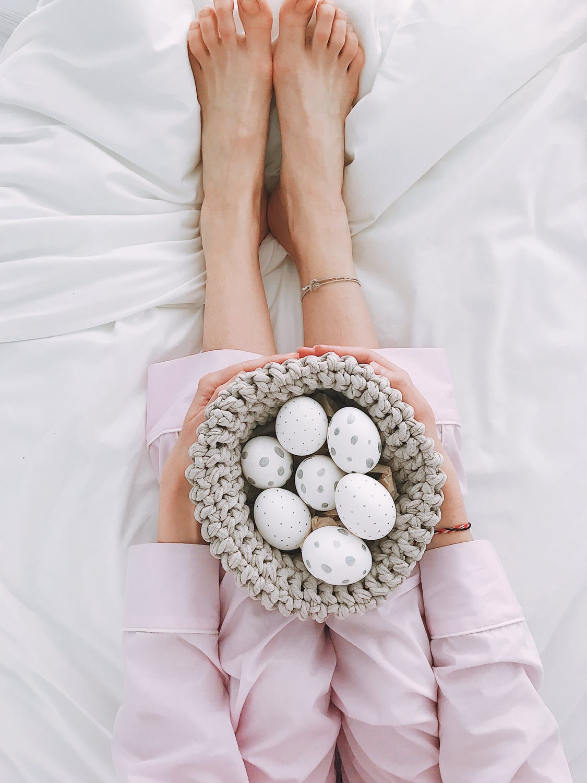 Un masseur de pied pour aider à soulager les symptômes du syndrome prémenstruel et de la ménopause