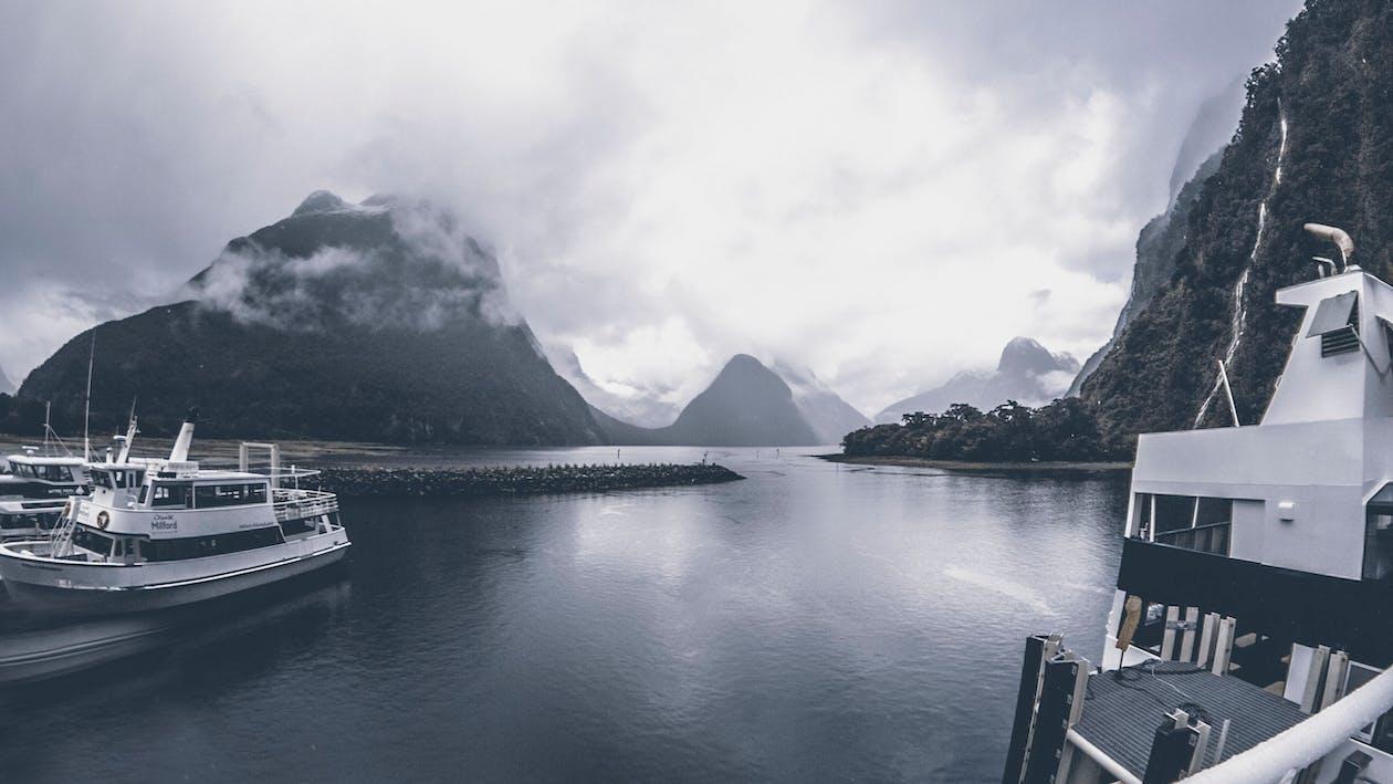 båd, både, bjerg