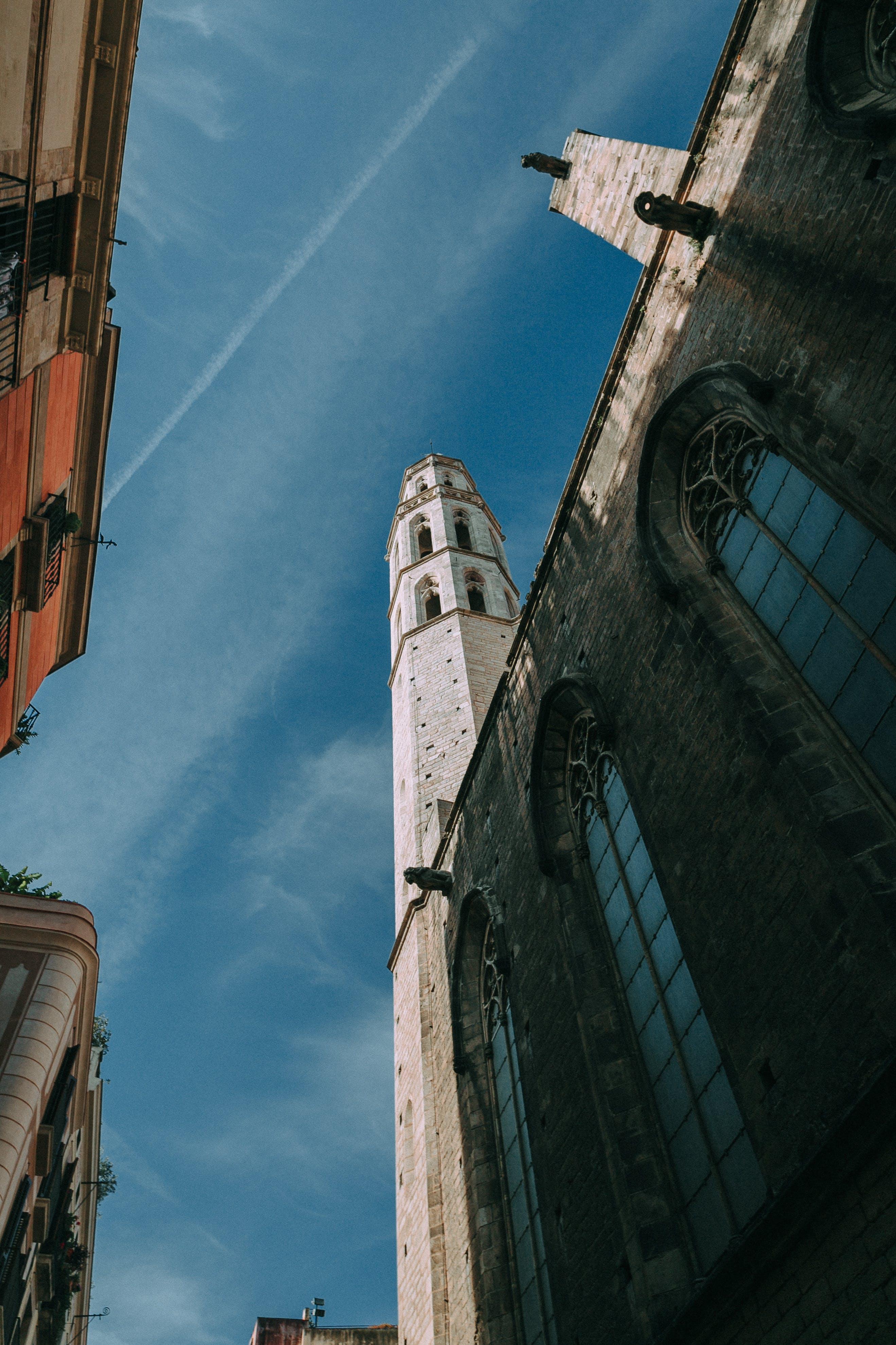 Arsitektur, awan, bangunan