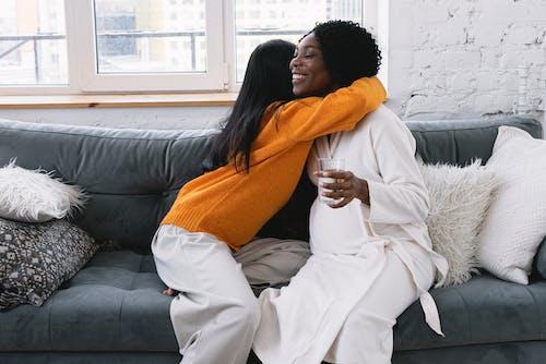 Fotos de stock gratuitas de abdomen, abrazar, abrazo