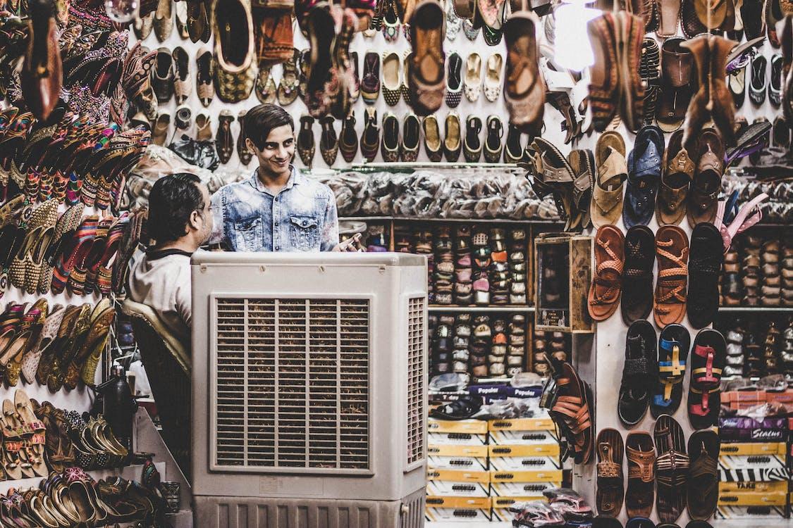 Kostnadsfri bild av affär, brun, försäljning