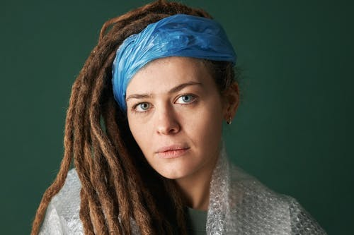 Photos gratuites de arrière-plan vert, dreadlocks, foulard