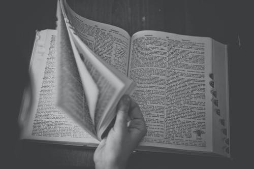 Foto d'estoc gratuïta de blanc i negre, coneixement, diccionari, enciclopèdia