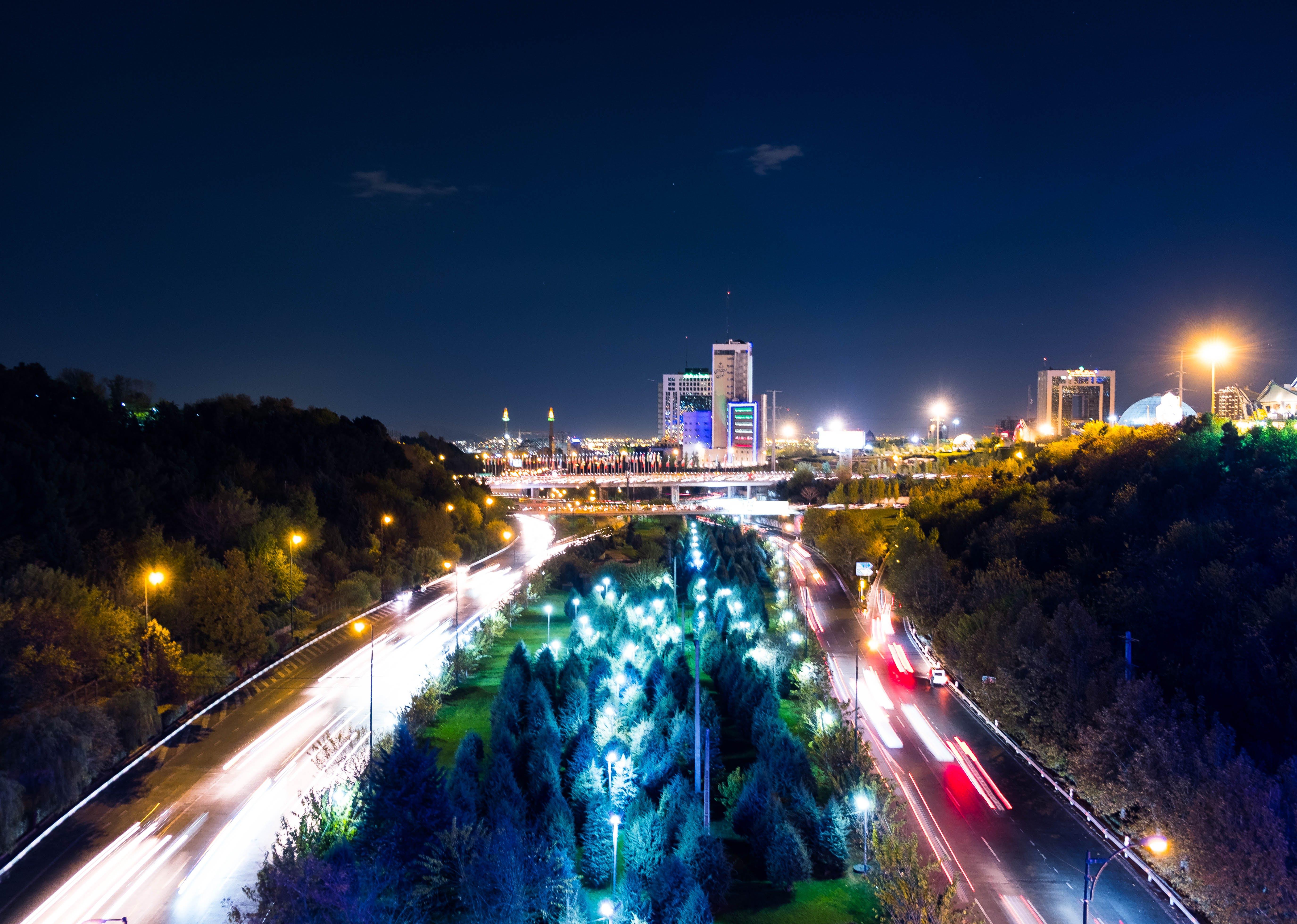 Δωρεάν στοκ φωτογραφιών με απόγευμα, αστικός, αυτοκινητόδρομος, δρόμος
