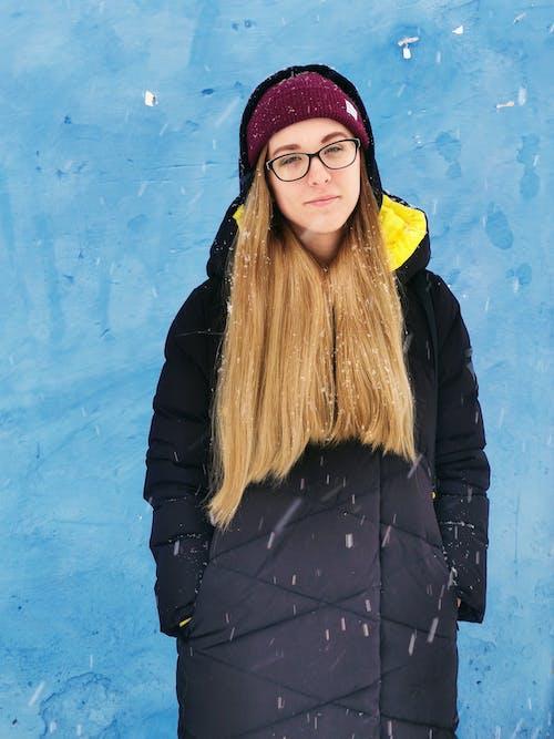 Fotos de stock gratuitas de abrigo, bonito, bufanda